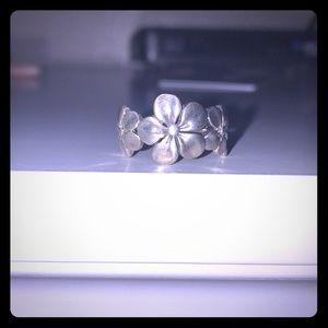 Sterling flowers ring